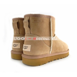 Ugg Women Classic Mini 40:40:40 Boot - Sand
